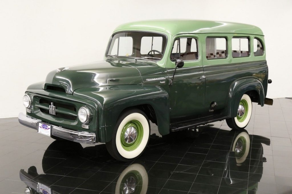 1953 International Harvester R 110 Travelall for sale